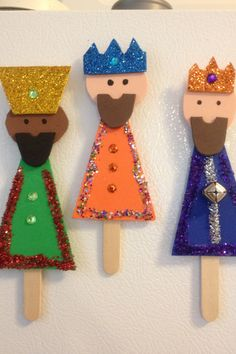 Craft for kids to prepare related to the Three Kings! Just need glue, pop sticks, foam construction paper, glitter and anything you can stick! Bible Crafts For Kids, Crafts For Kids To Make, Christmas Crafts For Kids, Toddler Crafts, Holiday Crafts, Nativity Crafts, Christmas Nativity, Christmas Art, Craft Stick Crafts