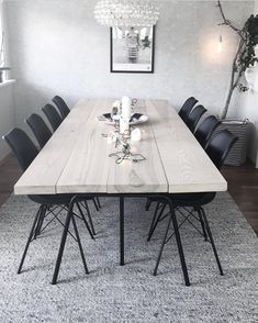 A l m o s t f r i d a y … a g a i n 😳😅 Ha en herlig kveld alle sammen 💛 (bilde fra tidligere) Mooie bank Discover exquisite chandeliers, table lamps, wall lamps suspension lamps and many other lighting fixtures. Furniture Dining Table, Diy Dining Table, Home Decor, Living Room Interior, House Interior, Dining Room Inspiration, Interior Design, Wood Dining Table Modern, Wood Dinner Table