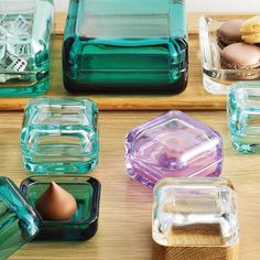 iittala Vitriini Boxes Tuck away your tiny treasures inside the gorgeous glass home of this small Vitriini box. Designed by Anu Penttinen and crafted by the masters of iittala who have been working with glass since thi. Design3000, Box Water, Shops, Glass Boxes, Tiny Treasures, Acrylic Box, Little Boxes, Wood Pieces, Small Boxes
