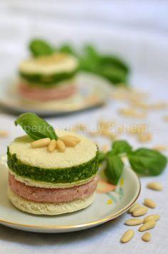 Italian Food - Torrette di tramezzini al pesto di basilico e patè di prosciutto cotto (sandwiches with basil pesto and ham)