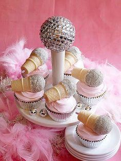How cute are these!! A perfect cake for a little miss having a Bop till you Drop Disco Karaoke party http://www.ivillage.ca/parenting/party-tips-ideas/how-to-make-karaoke-birthday-cupcakes