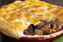 Slimming Steak and mushroom pie – Recipes – Slimming World - We guarantee that the rich flavour and crisp pastry make it well worth the wait! Slimming World Dinners, Slimming Eats, Slimming World Recipes, Steak And Mushroom Pie, Steak And Mushrooms, Stuffed Mushrooms, Pie Recipes, Cooking Recipes, Cooking Time