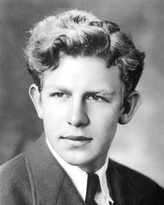 Andy Griffith is a actor, director, producer, Grammy Award-winning Southern- gospel singer and a writer. In 1957 Griffith made his film debut starring Famous Men, Famous Faces, Famous People, Hollywood Stars, Classic Hollywood, Old Hollywood, Hollywood Icons, Sean Penn, Catherine Deneuve
