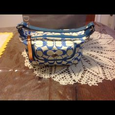 Coach small tote purse This is a cute Coach small tote in great condition  Coach Bags Mini Bags