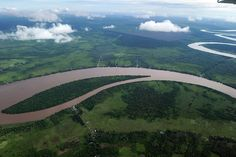 """Aerial riverscapes: Borneo River It's dizzying sights like these that have inspired the work of artists and scientists alike, including aerial archaeologist Klaus Leidorf and Bernhard Edmaier, a """"geologist-turned-photographer"""" who captivated fine art enthusiasts with his stunning """"Earthsong"""" art book."""