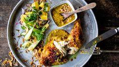 Marinerte kyllinglår med sataysaus og mangosalat