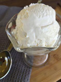 Low Carb, Sugar Free Vanilla Ice Cream {THM-S, Low Carb, Gluten Free, Sugar Free, Grain Free} I recently bought an ice cream maker, (Cuisinart ICE-20 Automatic 1-1/2-Quart Ice Cream Maker, White&nb…