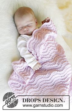 Diy Crafts - Knitting pattern for Good Night, a baby blanket worked in a feather and fan lace stitch using DROPS Baby Merino. See our great prices an Diy Crafts Knitting, Diy Crochet And Knitting, Knitting For Kids, Free Knitting, Knitting Projects, Baby Knitting Patterns, Crochet Patterns, Drops Design, Knitted Baby Blankets