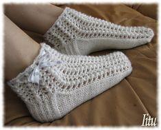 Iitun kesäpitsit ohje Knitting Socks, Hand Knitting, Knit Socks, Crochet Slippers, Knit Crochet, Baby Knitting Patterns, Sock Shoes, Fingerless Gloves, Arm Warmers