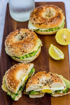 Breakfast Sandwich Recipes, Breakfast Bagel, Gourmet Breakfast, Avocado Breakfast, Healthy Breakfast Recipes, Bagel Sandwich, Nice Breakfast, Egg And Cheese Sandwich, Gourmet Sandwiches