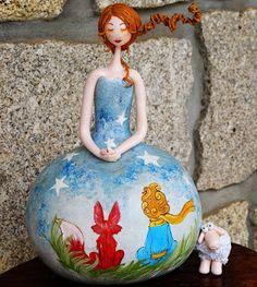 Gourds, Biscuit, Origami, Disney Princess, Creative, Handmade, Crafts, Gourd Art, Wire Tree Sculpture
