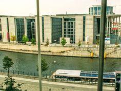 #berlin #zwiedzanie #mitte #centrum #regierungsviertel #szprewa #spree #rejs #statek #rzeka #architektura #parlament #bundestag #reichstag
