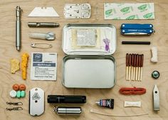Camping survival kit altoids tins 49 Ideas for 2019 Wilderness Survival, Camping Survival, Outdoor Survival, Survival Prepping, Survival Skills, Homestead Survival, Camping Gear, Bushcraft Skills, Bushcraft Gear