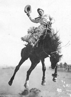 Jimmie Ramsay is shown here winning second money at Pinedale, Wyoming rodeo of 1915 Western Photo, Western Art, Cowboy Photography, Photography Tips, Cowgirl Pictures, Cowboy Ranch, Trick Riding, Rodeo Cowboys, Bull Riders