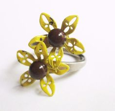 Vtg ENAMEL FLOWER Power ADJUSTABLE RING Yellow RETRO MOD Jewelry 1960s 70s