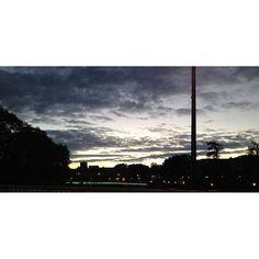 """""""J'ai cessé de croire aux présences indispensables."""" Bonsoir Besançon, bonne nuit IG ! ⭐️☁️ #cloud #cloudyday #sky #skyporn #lesjoliscieux #ciel #nuit #night #couchédesoleil #city #ville #retour #home #retouràlaville #Besançon #FrancheComté #pont #bridge #pontRobertSchwint #paysage #landscape #quote #citation #LFC #Céline #Voyageauboutdelanuit #prépa"""