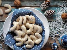Vanilkové rohlíčky II Xmas Cookies, Gingerbread Cookies, Christmas Sweets, Desserts, Food, Christmas Cookies, Christmas Class Treats, Tailgate Desserts, Ginger Cookies