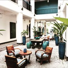 British Colonial Style, French Colonial, Asian Interior Design, Chinese Interior, Interior Ideas, Cafe Design, House Design, Hotel Lobby Design, Caribbean Homes
