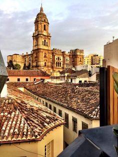 Málaga. La belleza de lo imperfecto, Nuestra #Manquita #MalagaLaBella  Fotografía de Kata Espinosa