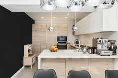 #Ukitchen #Ushapedkitchen #modernkitchen #kitchendesign #kitchenfurniture #kitchenideas #KUXAstudio #KUXA #KUXAkitchen #bucatariemoderna #bucatarieU #whitekitchen #woodkitchen #beigekitchen U Shaped Kitchen, White Beige, Furniture, Studio, Table, Design, Home Decor, U Shape Kitchen, Decoration Home