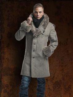 Пальто мужское зимнее 7000 руб