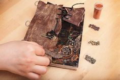 Steampunk is a very original style, it looks a little bit industrial but romantic. To make such a notebook you'll need aged paper, cardboard, foil, a Steampunk Crafts, Steampunk Design, Steampunk Fashion, Steampunk Gadgets, Steam Punk Diy, Altered Books, Altered Art, Homemade Books, Cool Notebooks