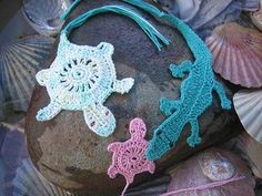 The pattern set includes a pattern for a Northern Territory Crocodile motif, a Turtle Hatchling, and additional instructions to make a Turtle soap holder or sachet. The instructions are written for both US and Australian/British crochet.