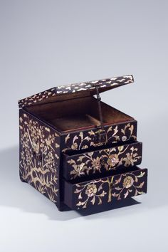 Korean Art, Architecture Old, Wood Boxes, Thesis, Room Interior, Decorative Boxes, Culture, Traditional, Pearls