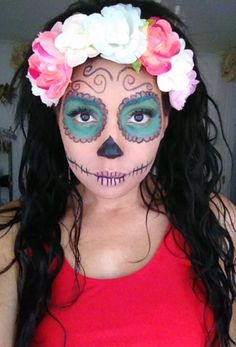 Day of the Dead or Dia de los Muertos is a time for honoring the dead. Have a look these great Day of The Dead Halloween Makeup Ideas. Kids Makeup, Eye Makeup, Makeup Ideas, Day Of Dead Makeup, Girl Halloween Makeup, Skull Makeup Tutorial, Skeleton Makeup, Sugar Skull Makeup, Maquillage Halloween