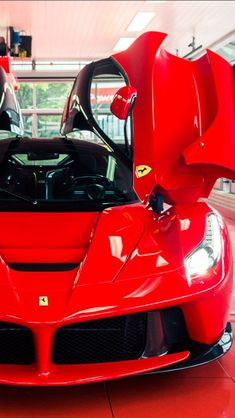 The Amazing LaFerrari Hybrid Supercar Ferrari Laferrari, Ferrari Car, Carl Benz, Automobile, Super Sport Cars, Sweet Cars, Amazing Cars, Car Car, Courses