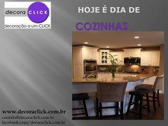 A cozinha integrada com área de refeições permite a integração entre o chef da noite e os convidados.