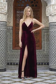 Stylish Ways To Wear Velvet Dresses Outfit In Holiday Party #styled247