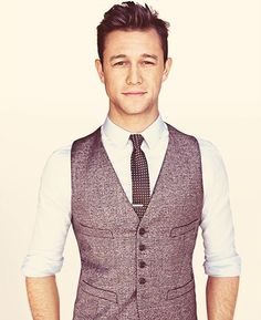 Joseph Gordon-Levitt wearing Grey Waistcoat, White Dress Shirt, and Black and White Polka Dot Tie #menstyle #couture #menstyle