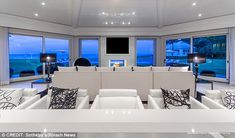 Celine Dion slashes $30m off Florida estate and 'plans to live in Las Vegas' | Daily Mail Online