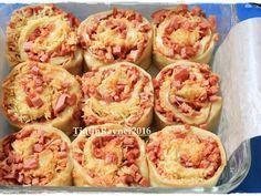PIZZA ROLL Super Empuk ala Killer Bread Recomended recipe step 5 photo Snack Recipes, Cooking Recipes, Snacks, Roti Bread, Pizza Pastry, Healthy Breakfast Smoothies, Eat Breakfast, Breakfast Ideas, Breakfast Recipes