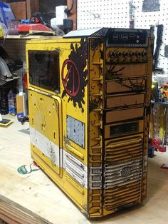 Borderlands 2 themed case mod for the HAF 932