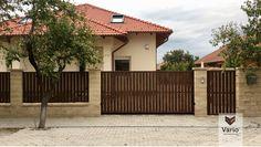 Magyarország, Komárom, PILLE-HÁZ Kft., kerítés gyártó cég Front Gates, Front Yard Fence, House Fence Design, Wood Privacy Fence, Tor Design, Iron Gate Design, Rustic, Architecture, Outdoor Decor