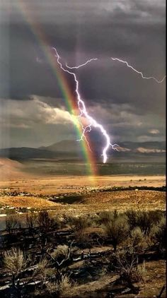Beautiful Sky, Beautiful World, Beautiful Scenery, Architecture Memes, Scenery Pictures, Thunder And Lightning, Carson City, Sky View, Mother Nature