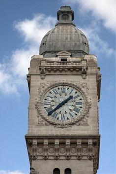 ... del reloj de la estación de trenes Gare de Lyon en París Foto de