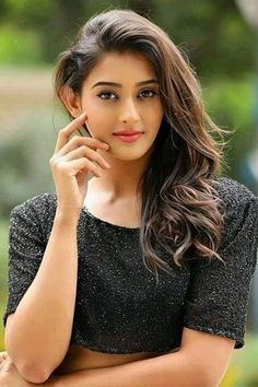 Latest Beautiful Women Images from all around the world, health care tips, celebrities gossips, beauty tips, photography and more interesting stuffs. Beautiful Girl Photo, Beautiful Girl Indian, Most Beautiful Indian Actress, Gorgeous Women, Cute Beauty, Beauty Full Girl, Beauty Women, Beautiful Bollywood Actress, Beautiful Actresses