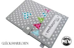 "Mutterpasshüllen - Mutterpasshülle ""Wimpelkette"" - grau / bunt - ein Designerstück von Gluecksmariechen bei DaWanda"