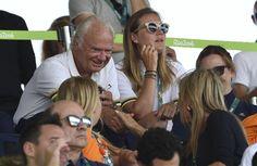 #rio2016 #queenmaxima Volgens een Duits blad flirt de Zweedse koning Carl Gustaf (70) er lustig op los met onze koningin. De twee raakten in gesprek tijdens de finale van het springen op de Olympische Spelen in Rio. Volgens het blad Bunte is de Zweedse man van adel het flirten nog niet verleerd.