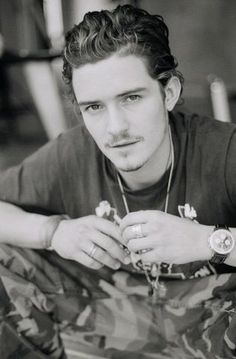 orlando bloom, english, brown, brunette, Adult_Orlando Yahoo group photo by permanent-transition Will Turner, Orlando Bloom Legolas, Kim Basinger, Cute Actors, Wattpad, Lotr, Pirates Of The Caribbean, Hollywood Celebrities, Film