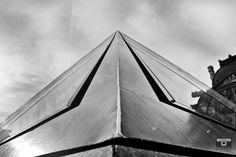 In the streets of Paris, mémoire du paris. #Paris #France #Street Photography #Architecture #Louvre #BlackandWhite #Abstract #Pyramid