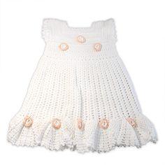 Vestido de niña, color blanco con flores.