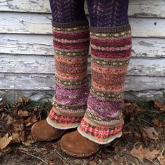recycled sweater legwarmers - definitely going to try to find an old sweater with cute pattern. Motif Fair Isle, Over Boots, Diy Mode, Old Sweater, Upcycled Sweater, Moda Vintage, Diy Clothing, Clothes Refashion, Looks Cool