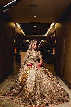 Gorgeous golden metallic bridal lehenga with overall work, perfect fo wedding. Golden Bridal Lehenga, Wedding Lehnga, Indian Bridal Lehenga, Indian Bridal Outfits, Indian Bridal Fashion, Indian Bridal Wear, Wedding Dresses, Indian Wear, Punjabi Wedding
