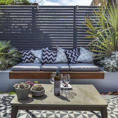 Brilliant ideas for small decked garden 43