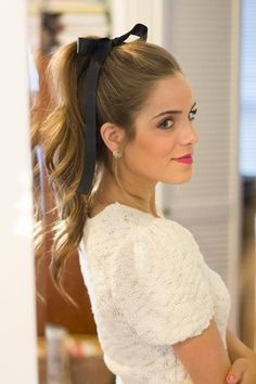 luxe rehearsal dinner | rehearsal dinner hair | high ponytail with bow | sweet & classic |