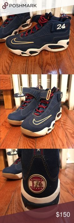 Nike 2016 Griffeys presidential edition Men size 8 Excellent condition! Nike Shoes Sneakers